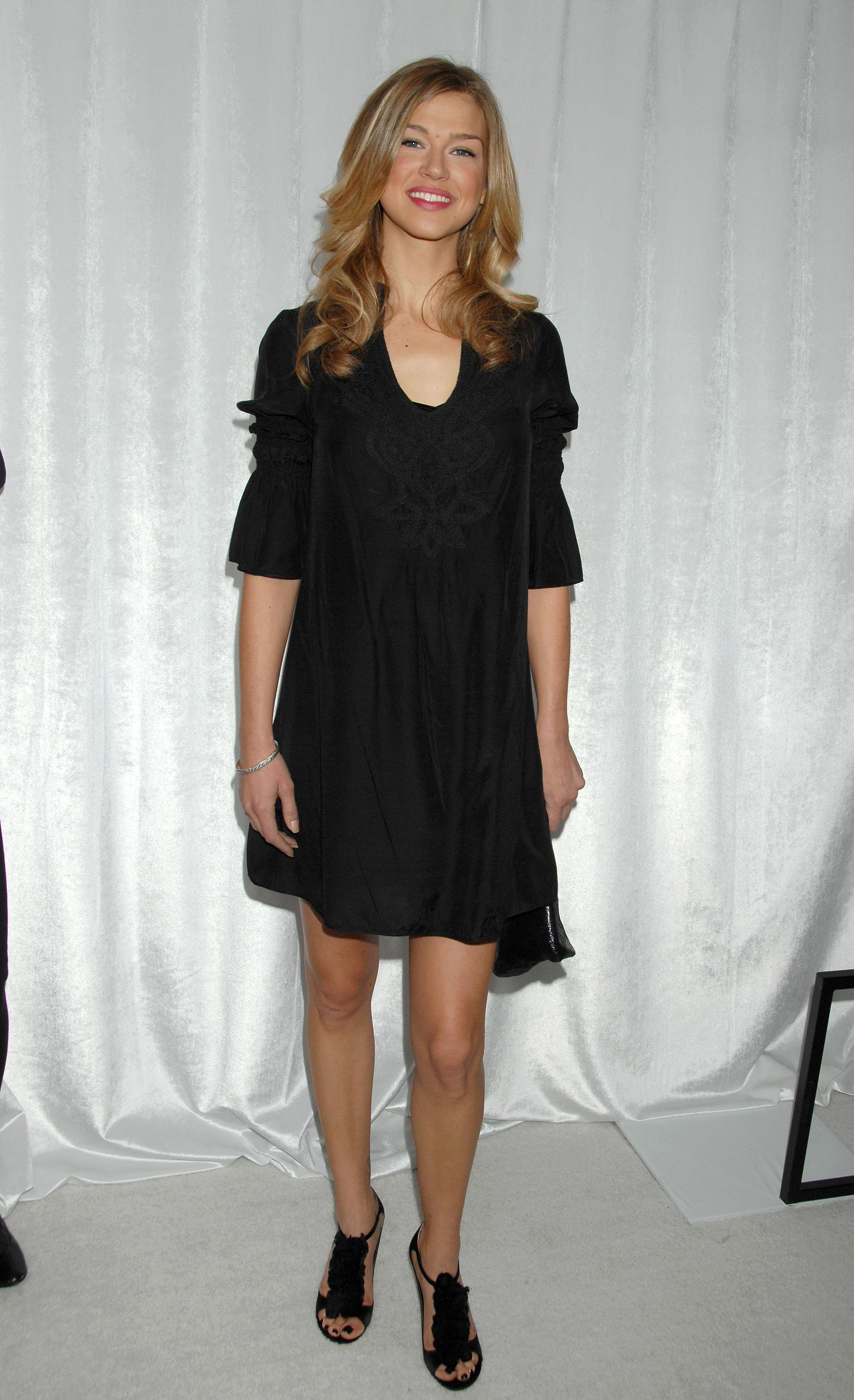 63003_Celebutopia-Adrianne_Palicki-8th_Annual_Awards_Season_Diamond_Fashion_Show_Preview-07_122_807lo.jpg