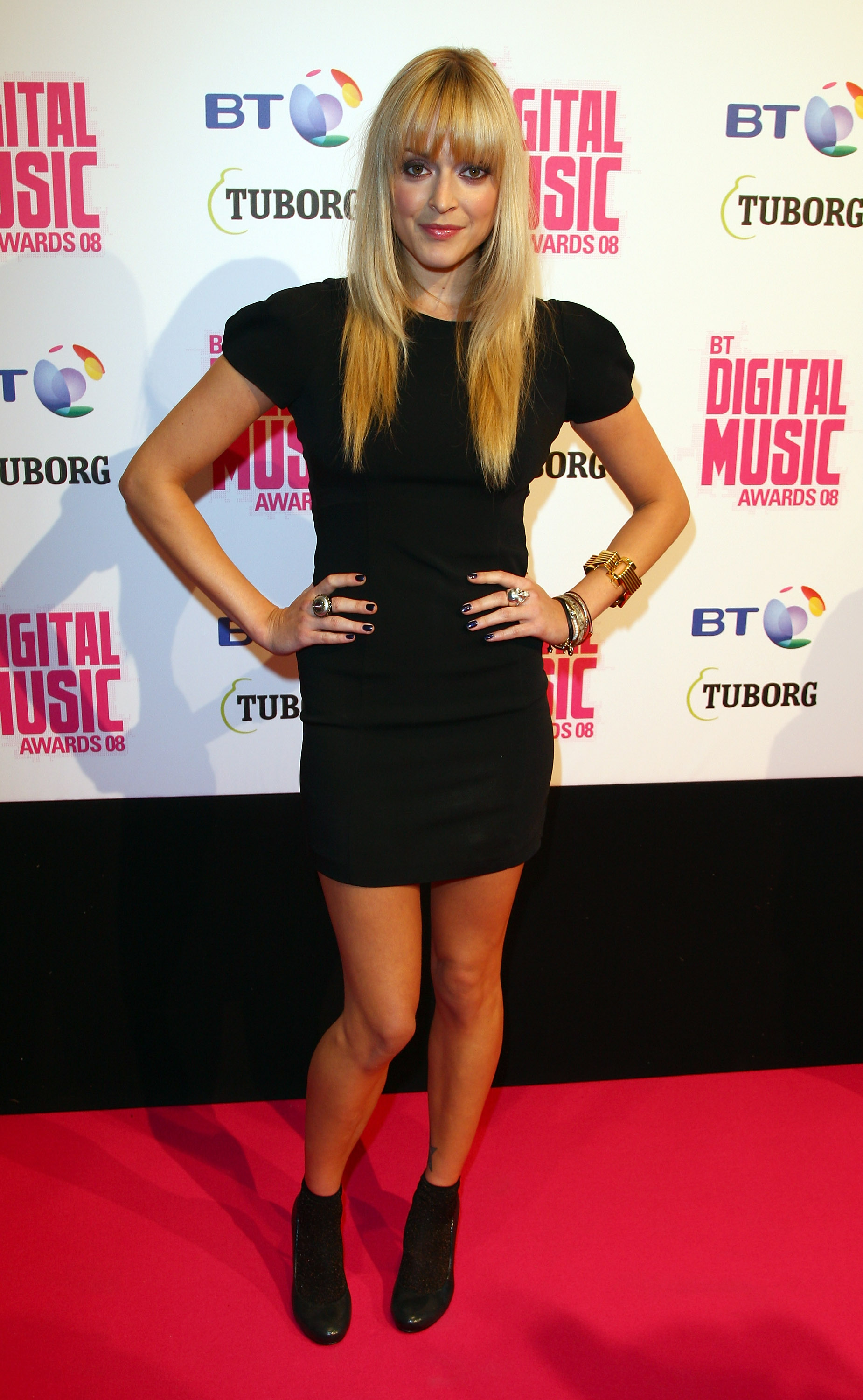 02274_Celebutopia-Fearne_Cotton_arrives_at_the_BT_Digital_Music_Awards_2008-07_122_1102lo.jpg