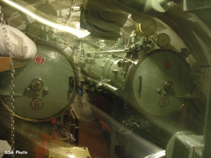 37460_submarine13_122_684lo.jpg