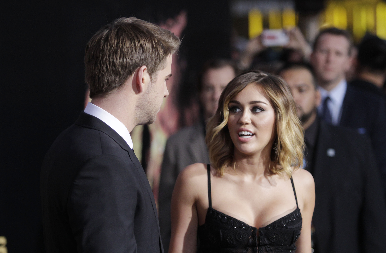 32730_Miley_Cyrus_Adds175_123_94lo.jpg