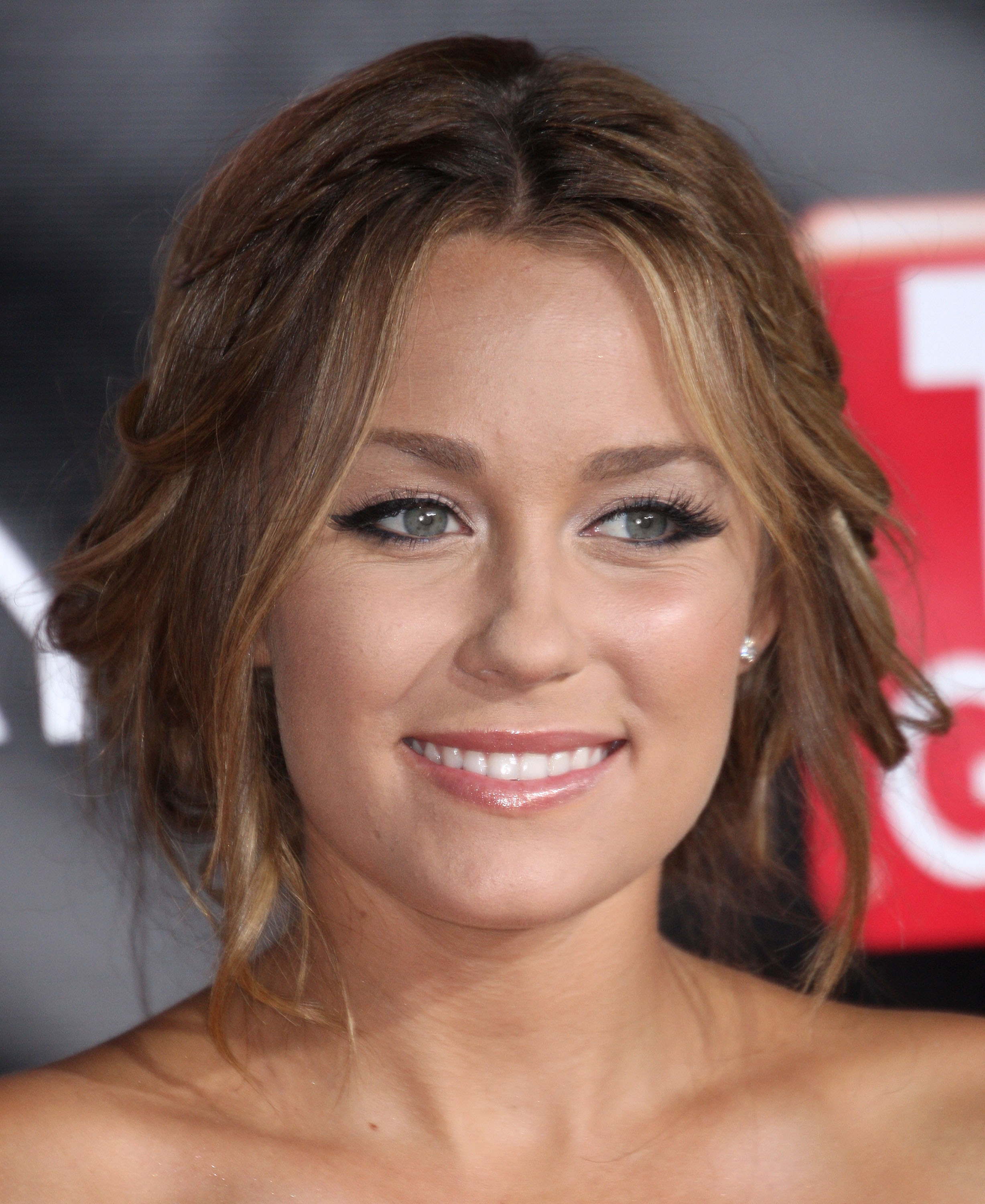 98923_Celebutopia-Lauren_Conrad-TV_Guide5s_Sixth_Annual_Emmy_Awards_After_Party-01_122_1118lo.jpg
