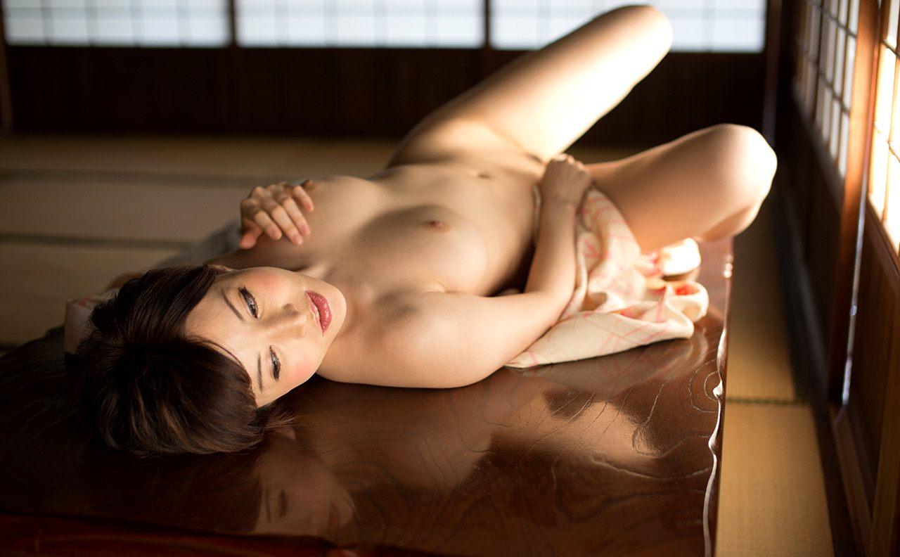 406401274_YuriaSatomi07_122_238lo.jpg