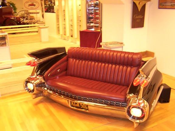 36727_car_trunk_sofa_03_335lo.jpg