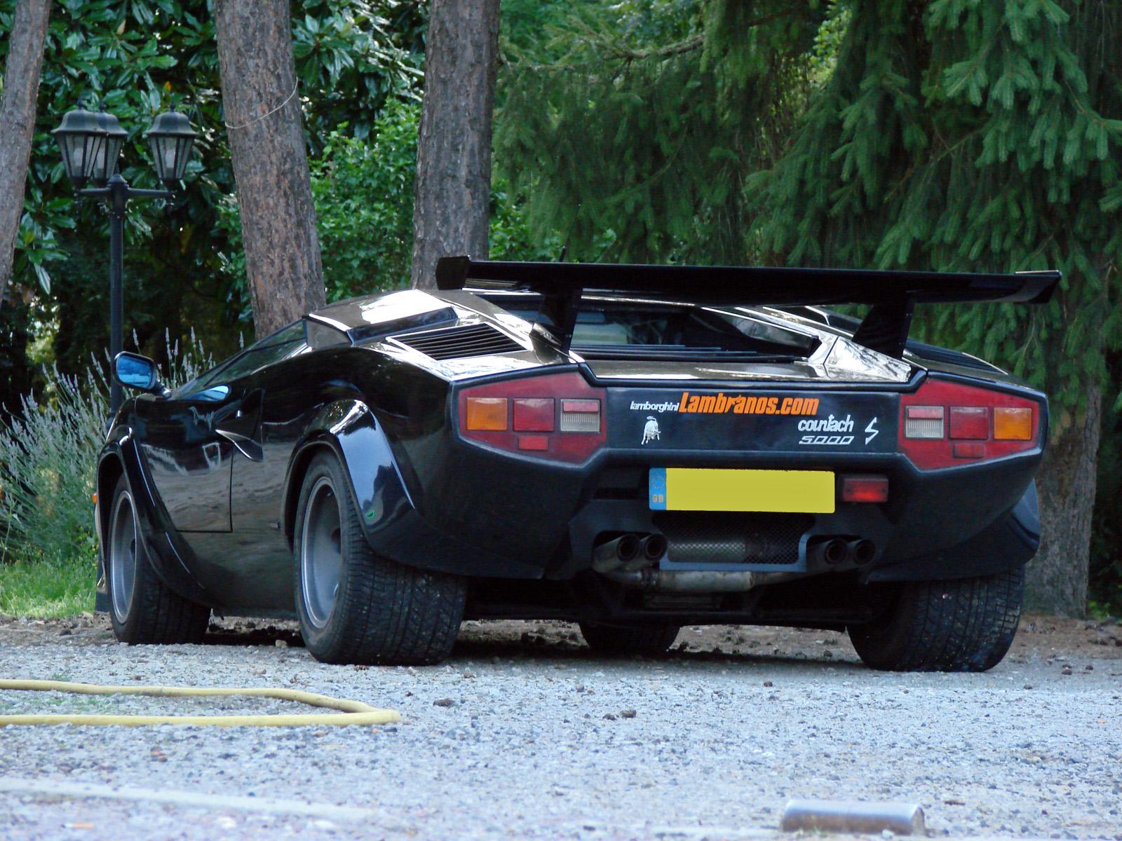 72244_Lamborghini_Countach_590_539lo.jpg