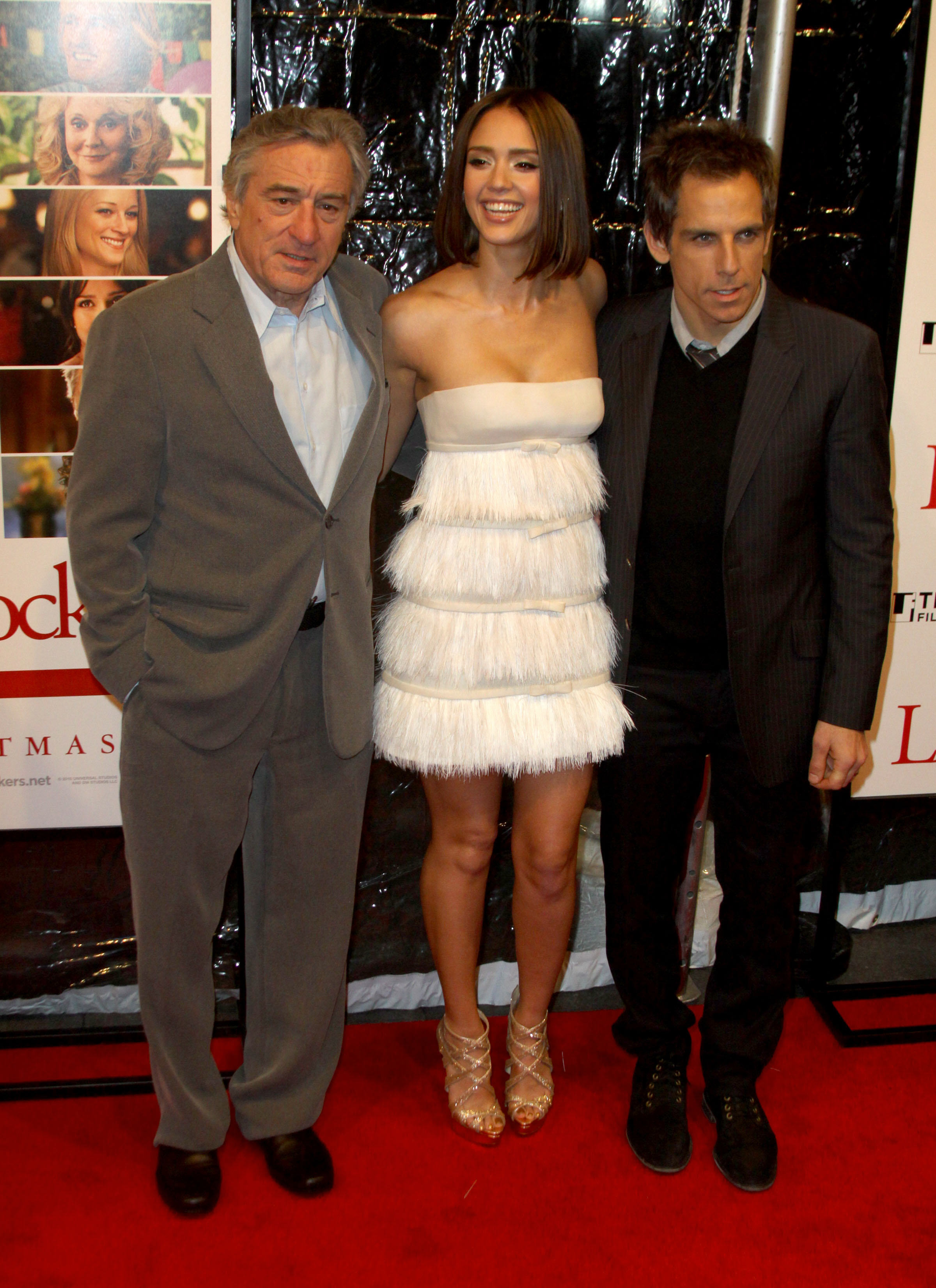 04442_Jessica_Alba_at_The_World_Premiere_of_Little_Fockers15_122_568lo.jpg