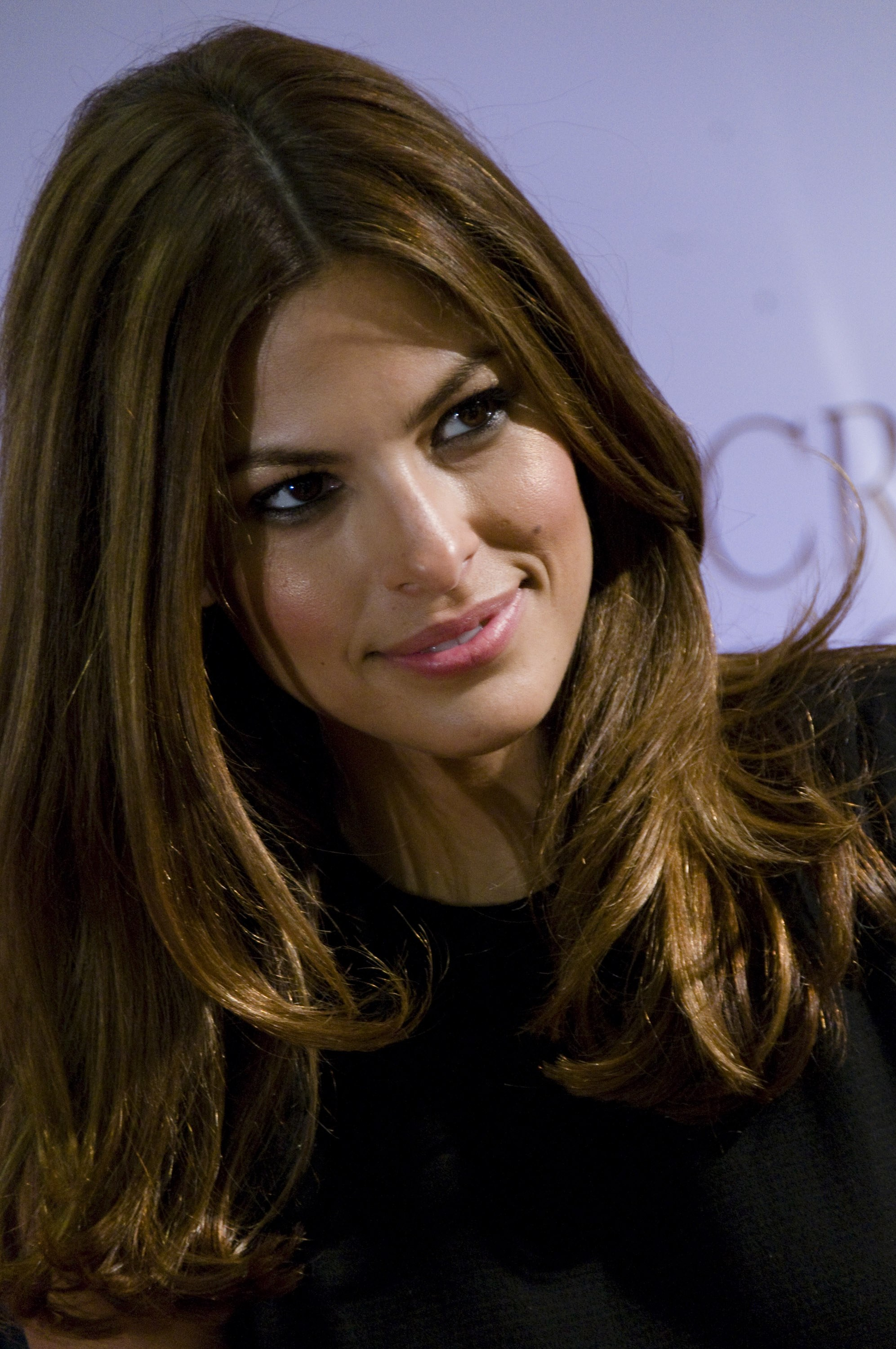00503_Eva_Mendes_in_Rome_to_promote_the_new_fragrance_of_Calvin_Klein_CU_ISA_0008_122_631lo.jpg