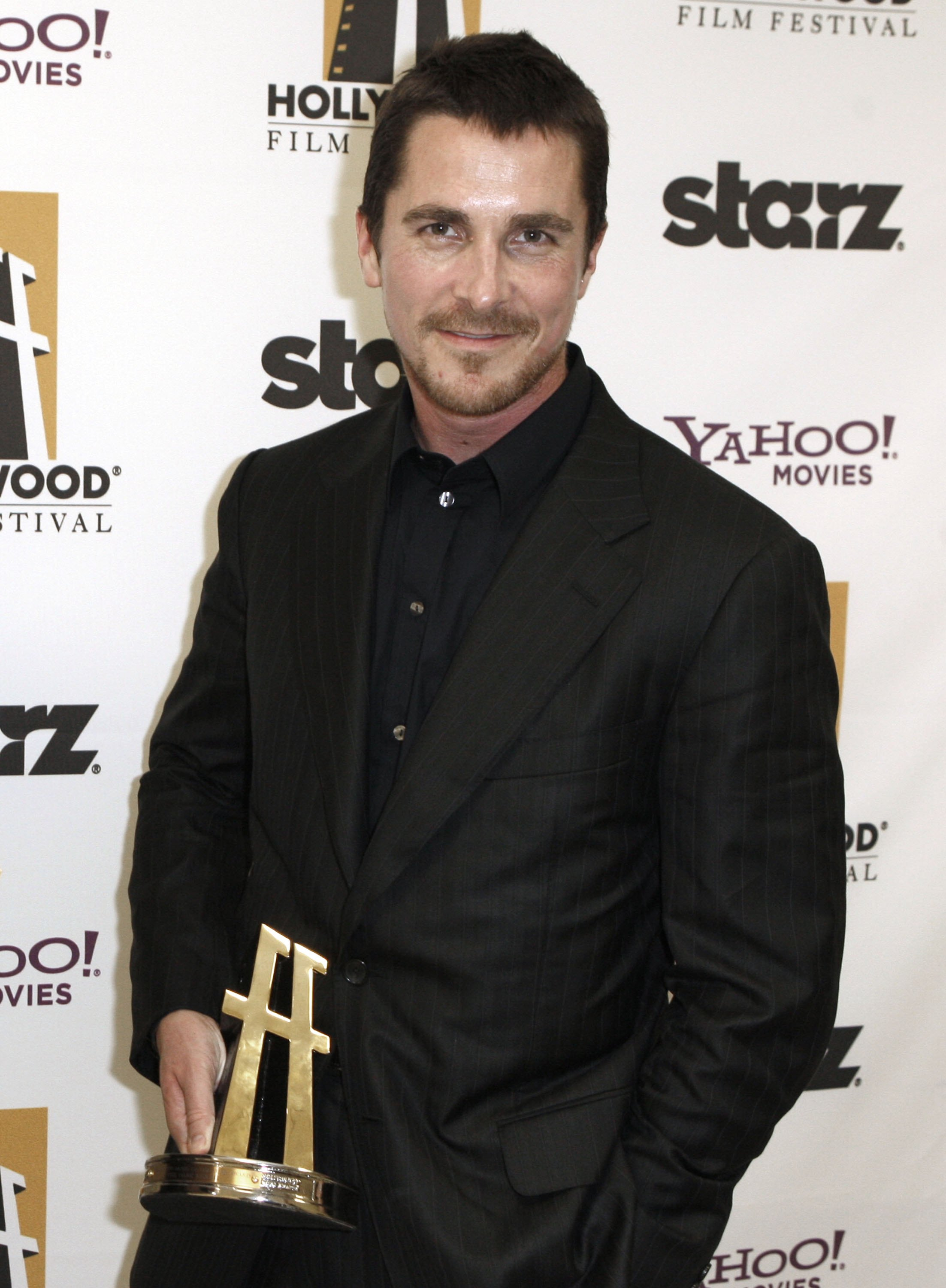 91618_Christian_Bale_and_Christopher_Nolan_-_Hollywood_Awards_Gala__CU_ISA04_122_858lo.JPG