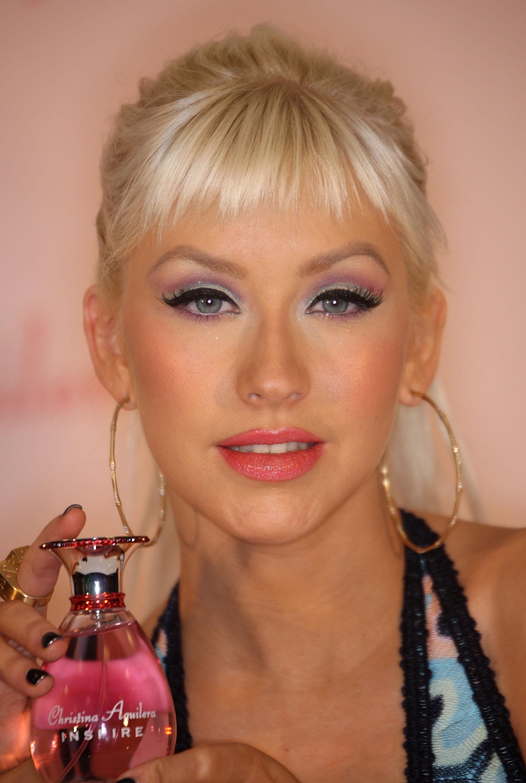 33151_Celebutopia-Christina_Aguilera_launches_her_new_perfume_Inspire-06_122_912lo.jpg