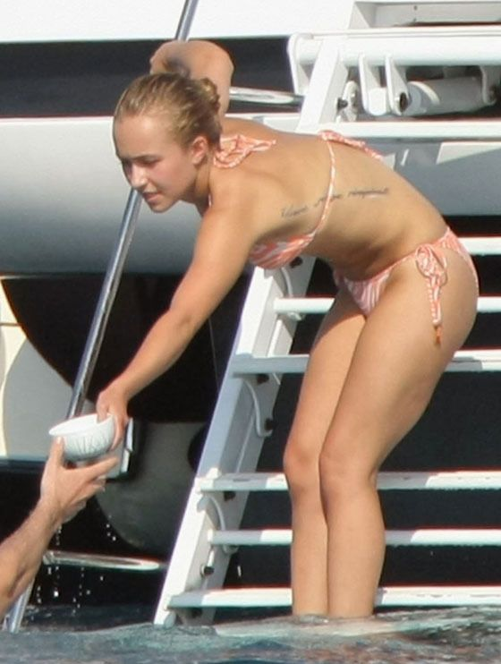 34162_Hayden_Panettiere_Bikini_Cannes_36_122_634lo.jpg