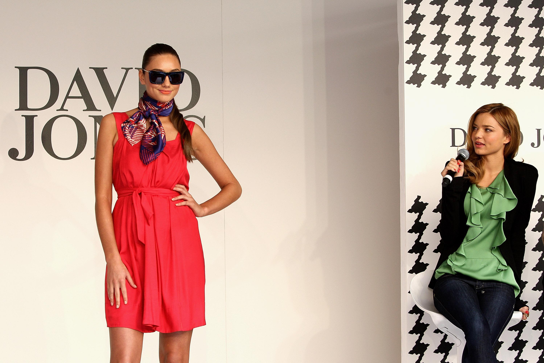 92491_miranda_kerr_in-store_fashion_workshop_122_804lo.jpg
