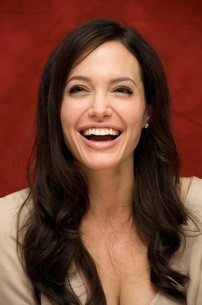 09514_Celebutopia-Angelina_Jolie-Vera_Anderson_portraits_session-12_122_842lo.jpg