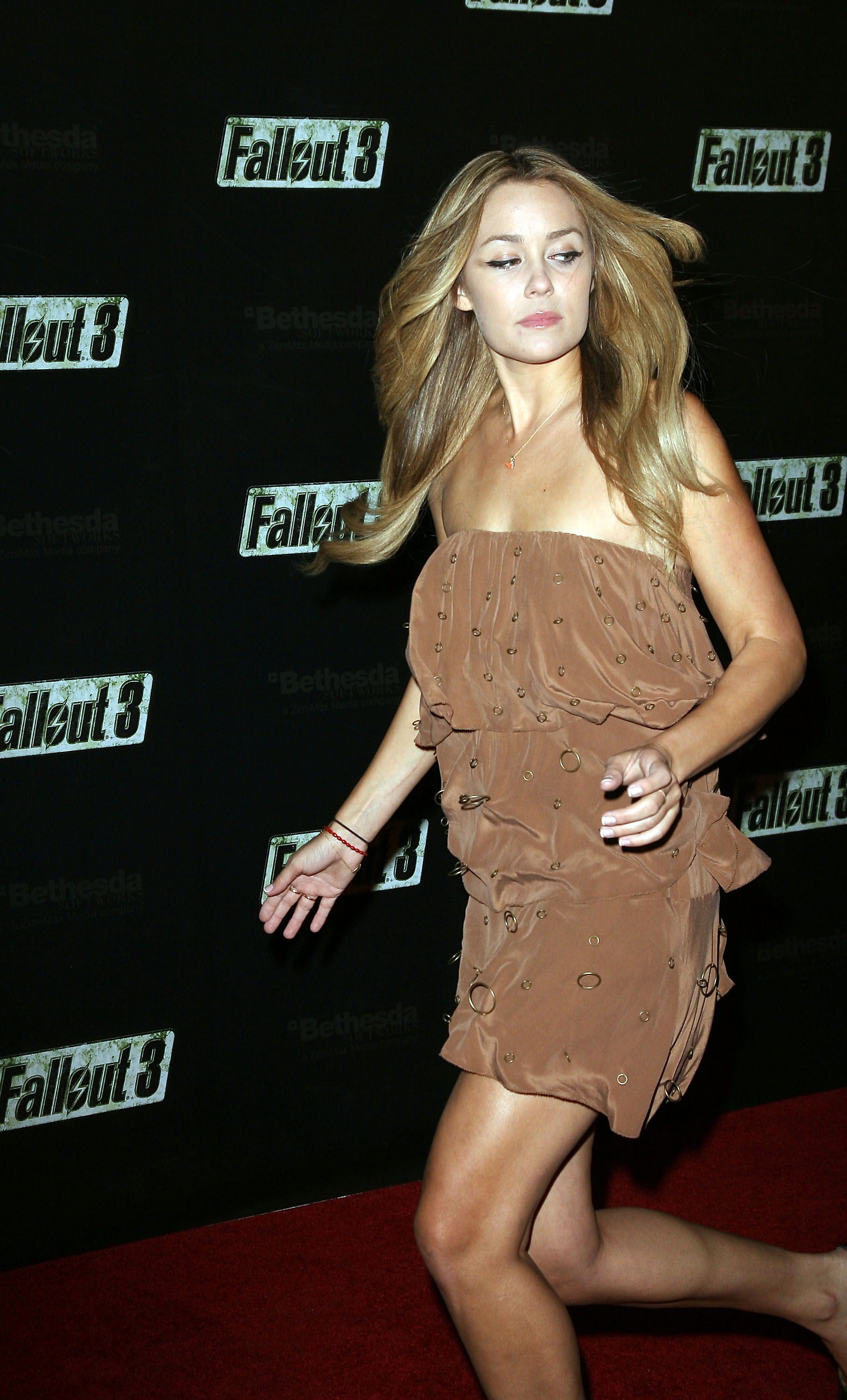 55203_Celebutopia-Lauren_Conrad-Launch_Party_for_Fallout_3_videogame-02_122_950lo.jpg