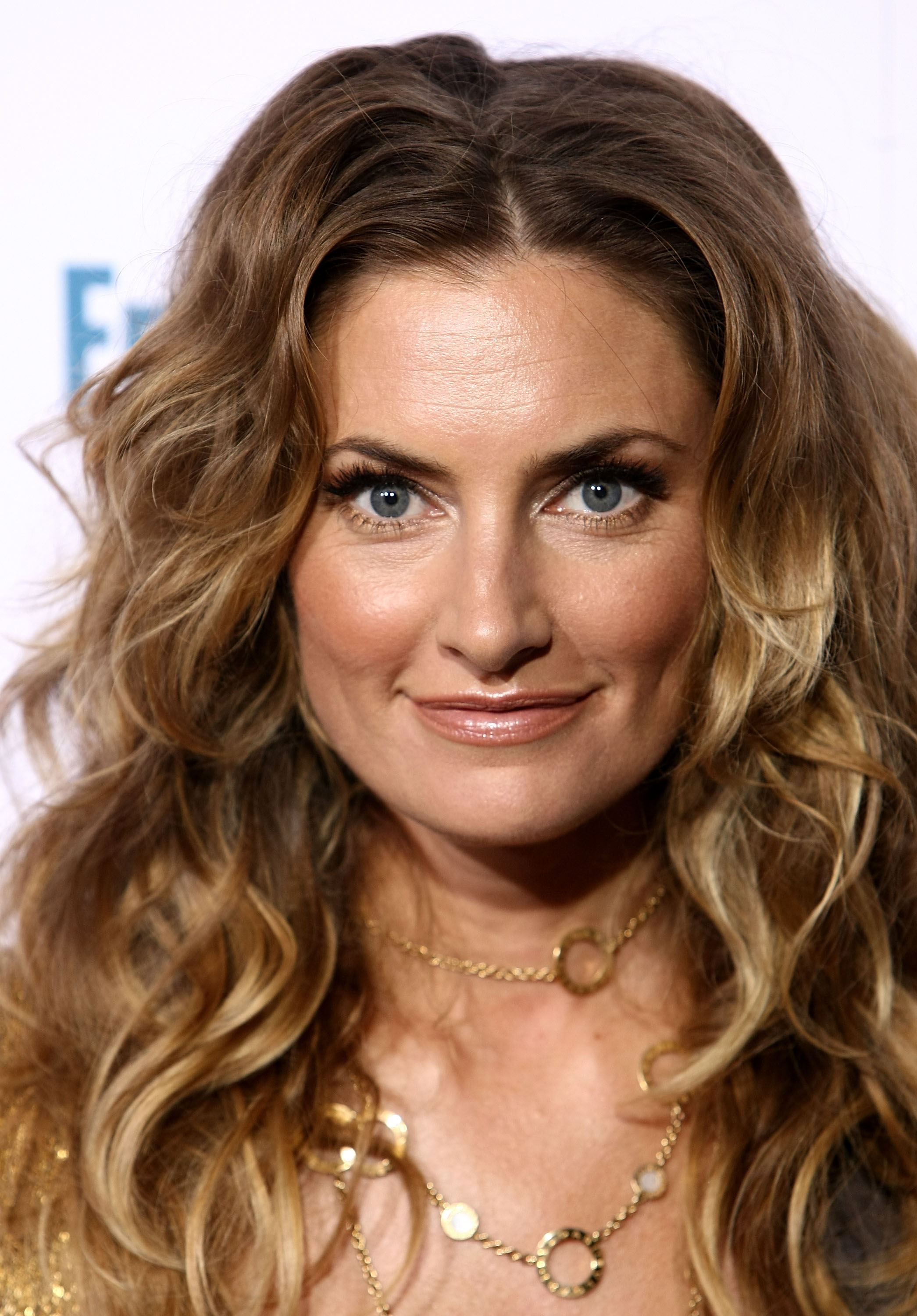 99434_Celebutopia-Madchen_Amick-Entertainment_Weekly23s_Sixth_Annual_Pre-Emmy_Celebration_party-03_122_973lo.jpg