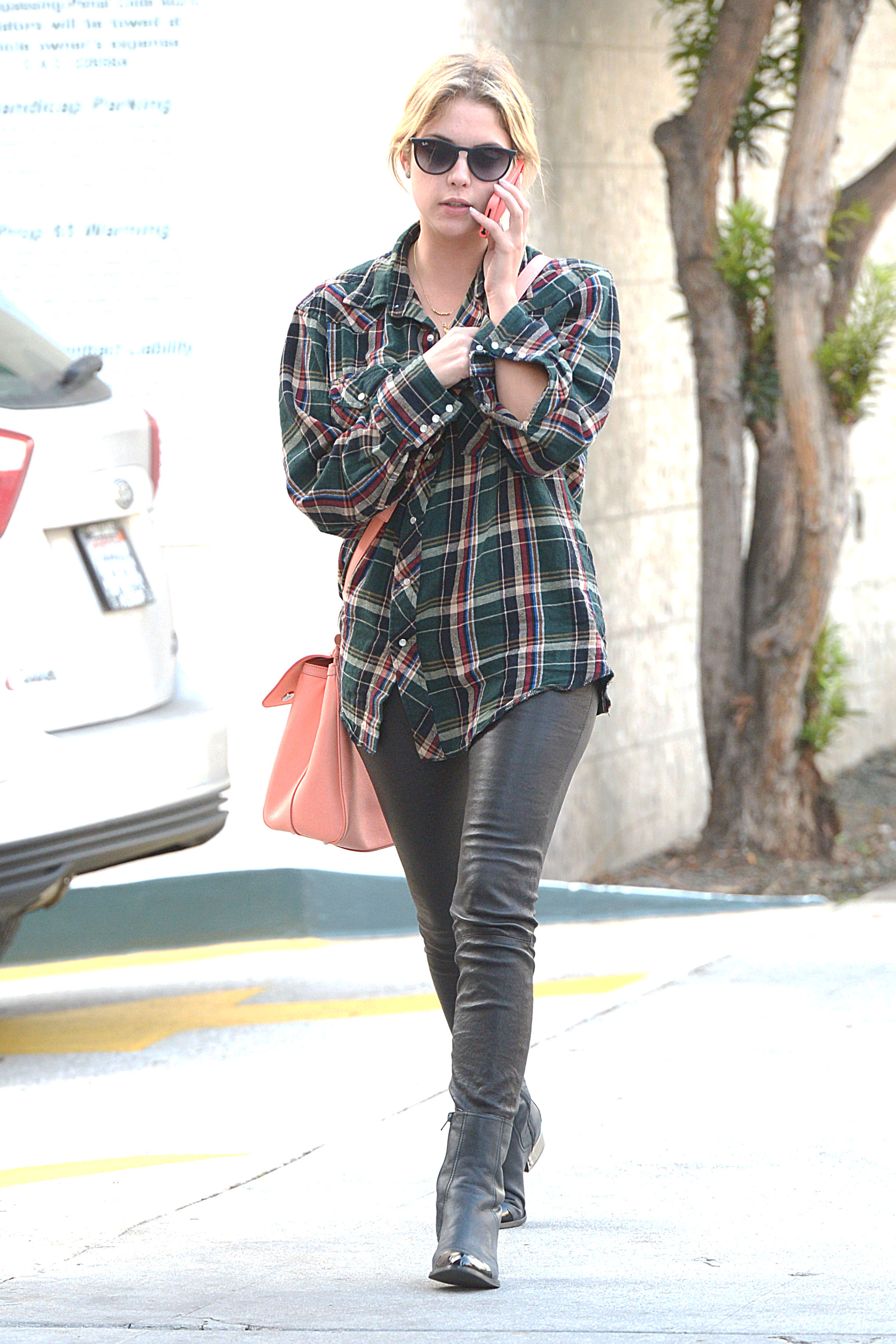 58130_Preppie_Ashley_Benson_shopping_in_Beverly_Hills_9_122_240lo.jpg