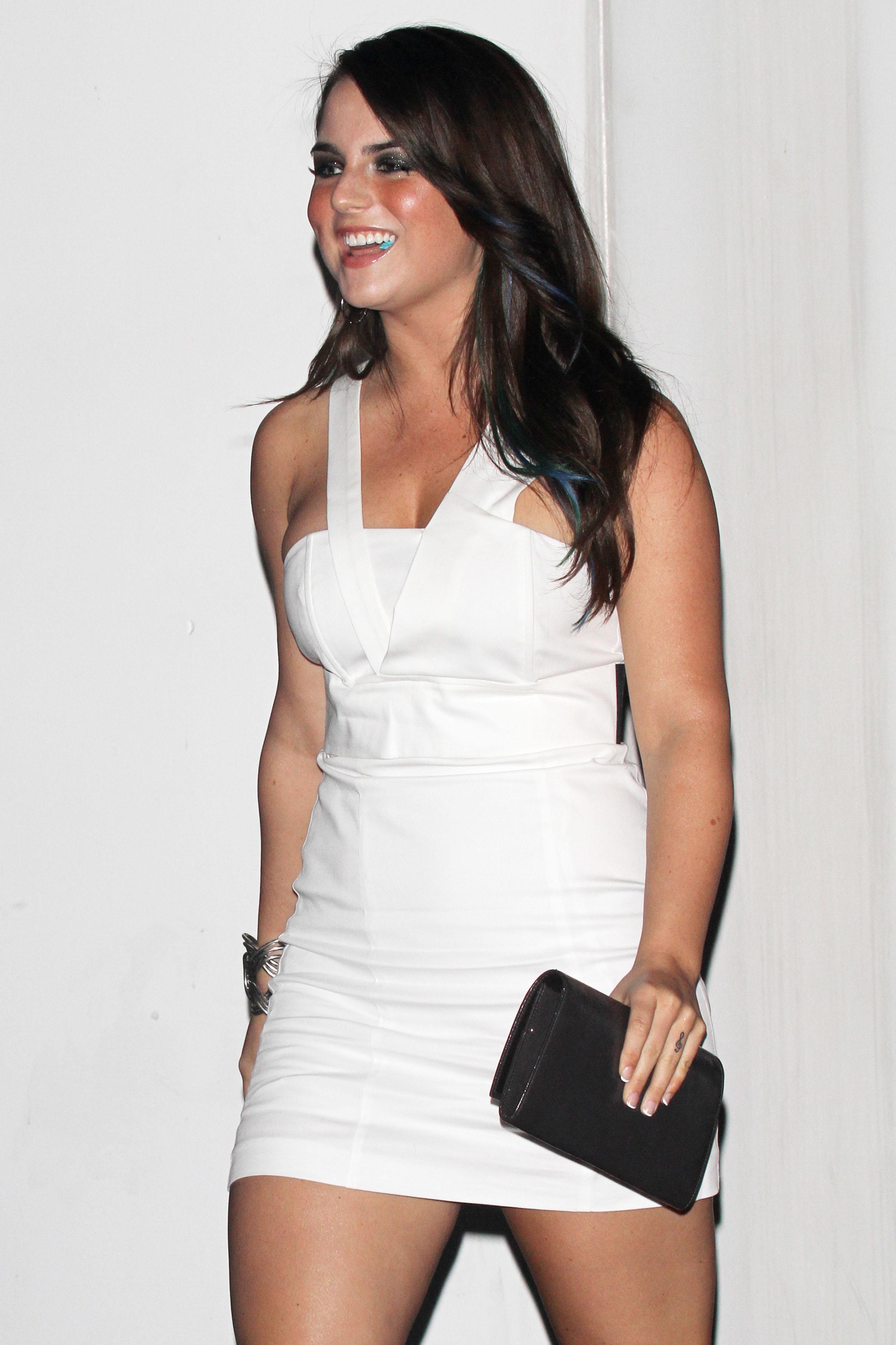 73678_Joanna_JoJo_Levesque_arrives_to_celebrate_Katy_Perrys_25th_birthday_party-1_122_115lo.jpg