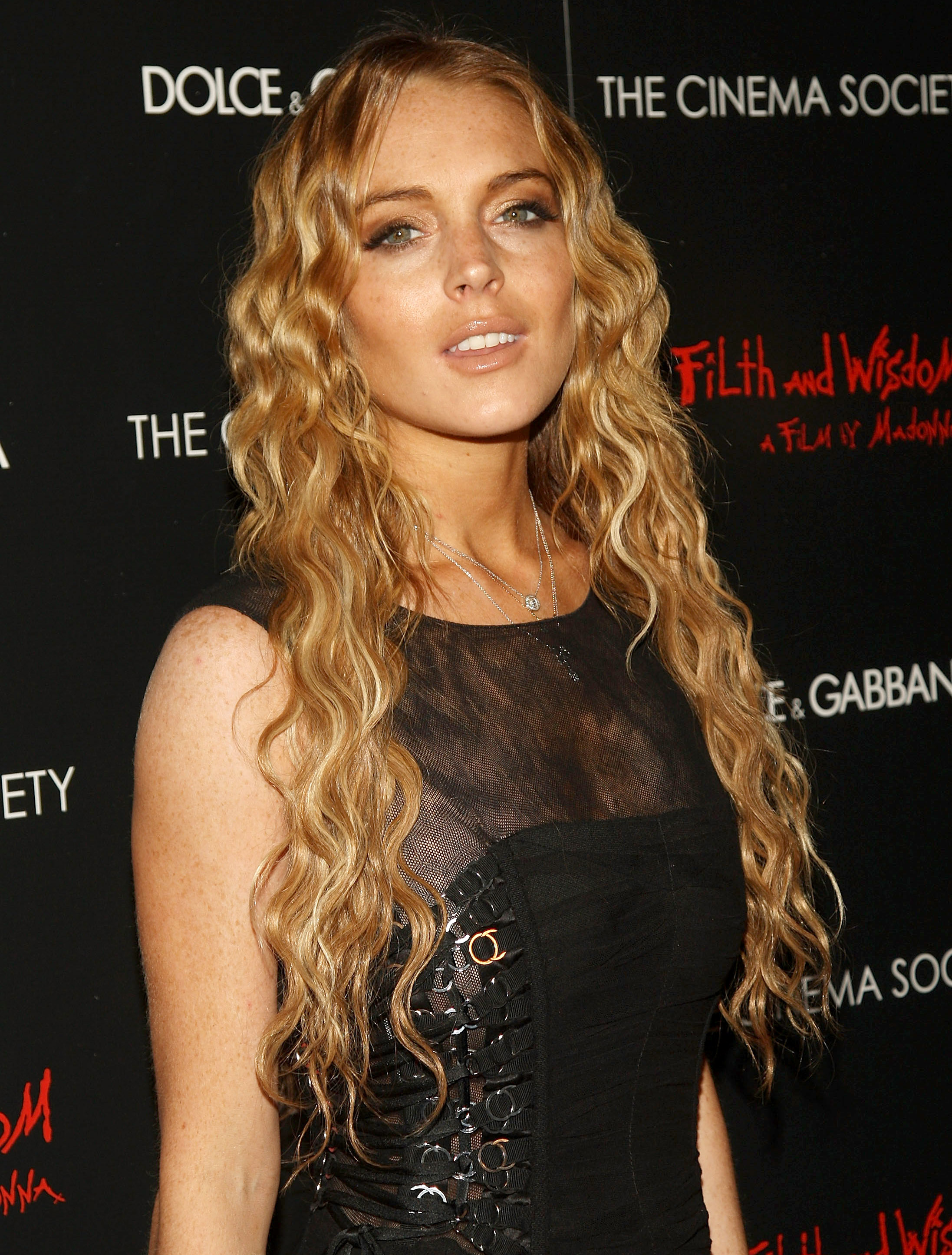 81692_Celebutopia-Lindsay_Lohan-Screening_of_Filth_and_Wisdom_in_New_York_City-10_122_1152lo.jpg