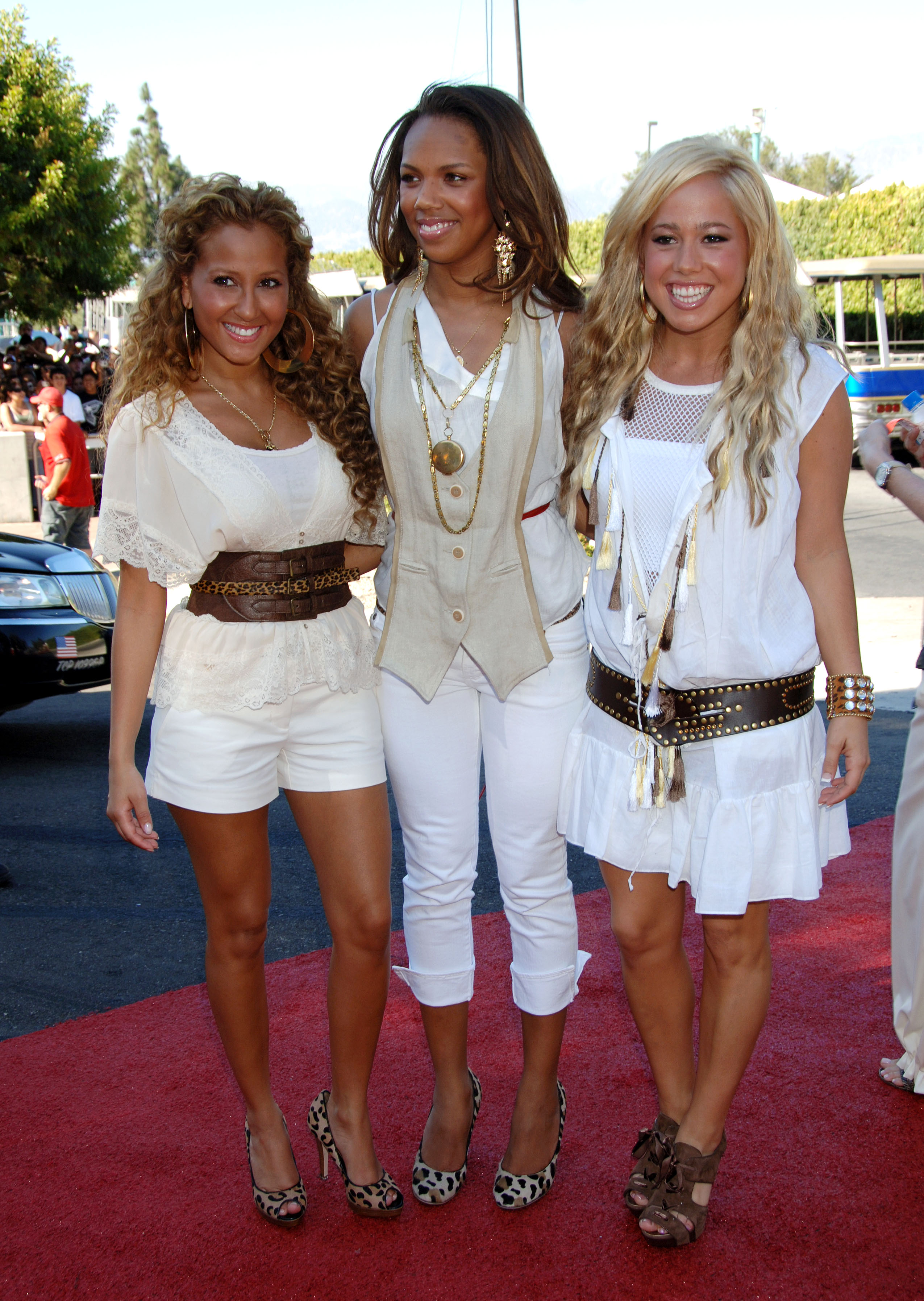 10932_Cheetah_Girls102_122_693lo.jpg