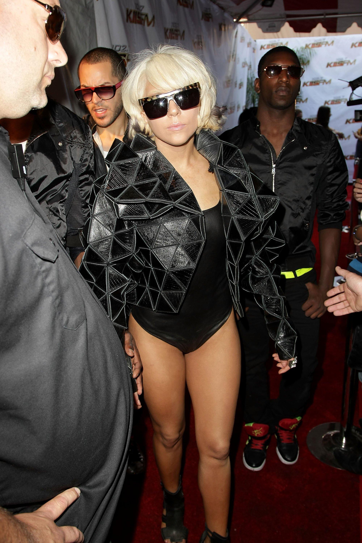 94383_Lady_Gaga-102.762s_KIIS-FMs_Wango_Tango.72s_KIIS-FM4s_Wango_Tango_2009_122_703lo.jpg