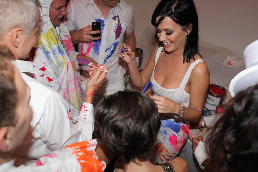 74293_Katy_Perry_25th_Birthday_Party-7_122_366lo.jpg