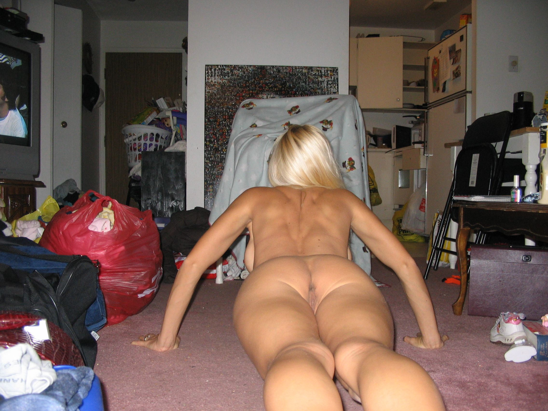 11573_amateurexpresszone.blogspot.com100_122_866lo.jpg