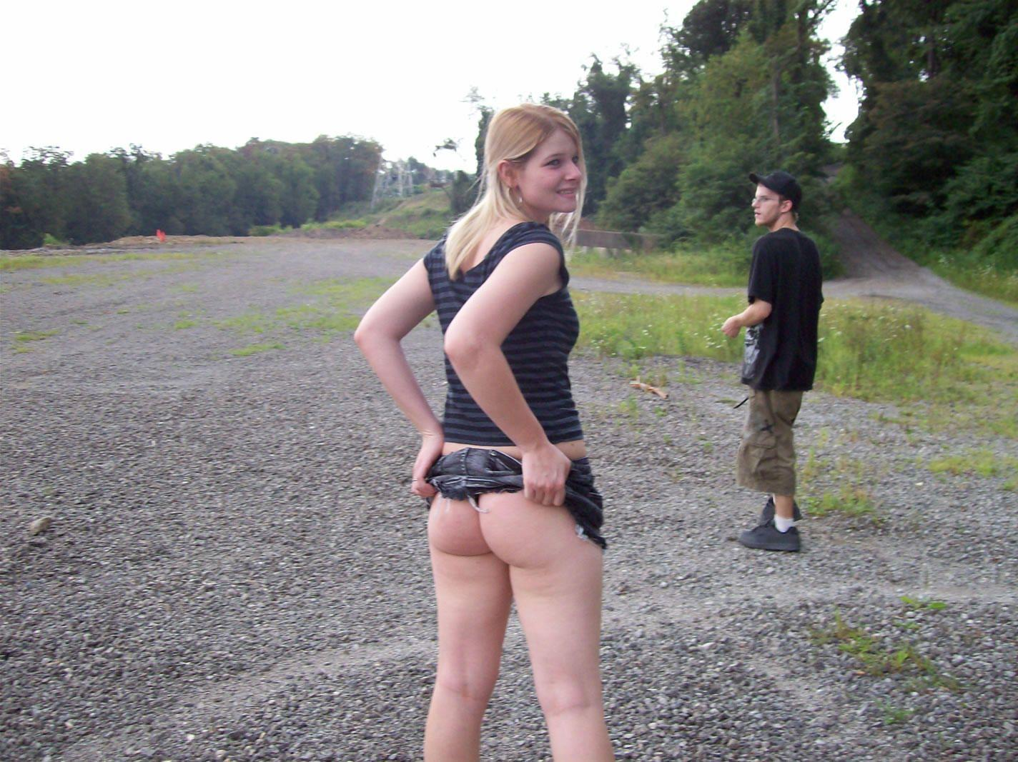 15651_blonde_hottie_teenmixxx.com_16_123_1046lo.jpg