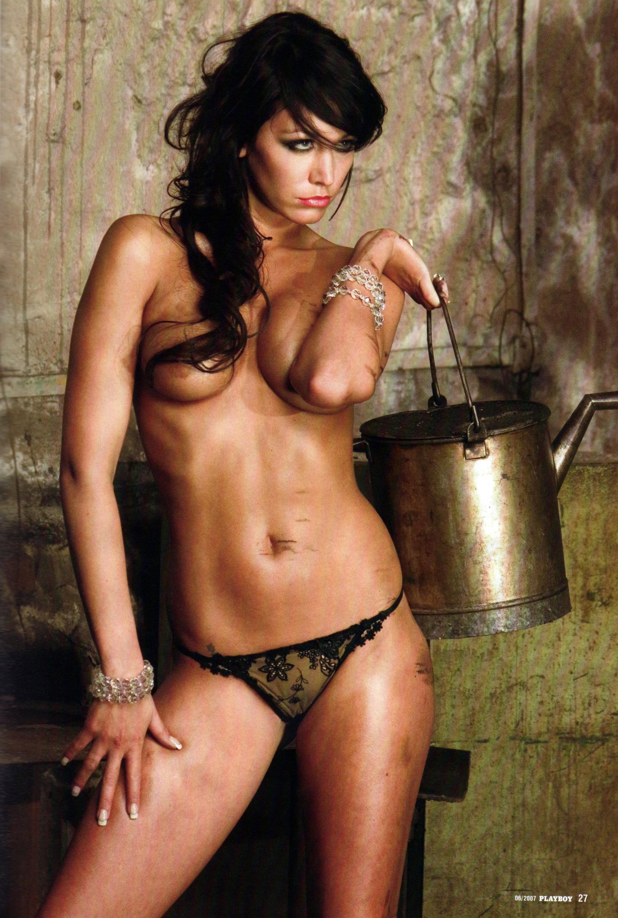 682616778_AgataHanichova_Playboy2007_erven_027_122_187lo.jpg