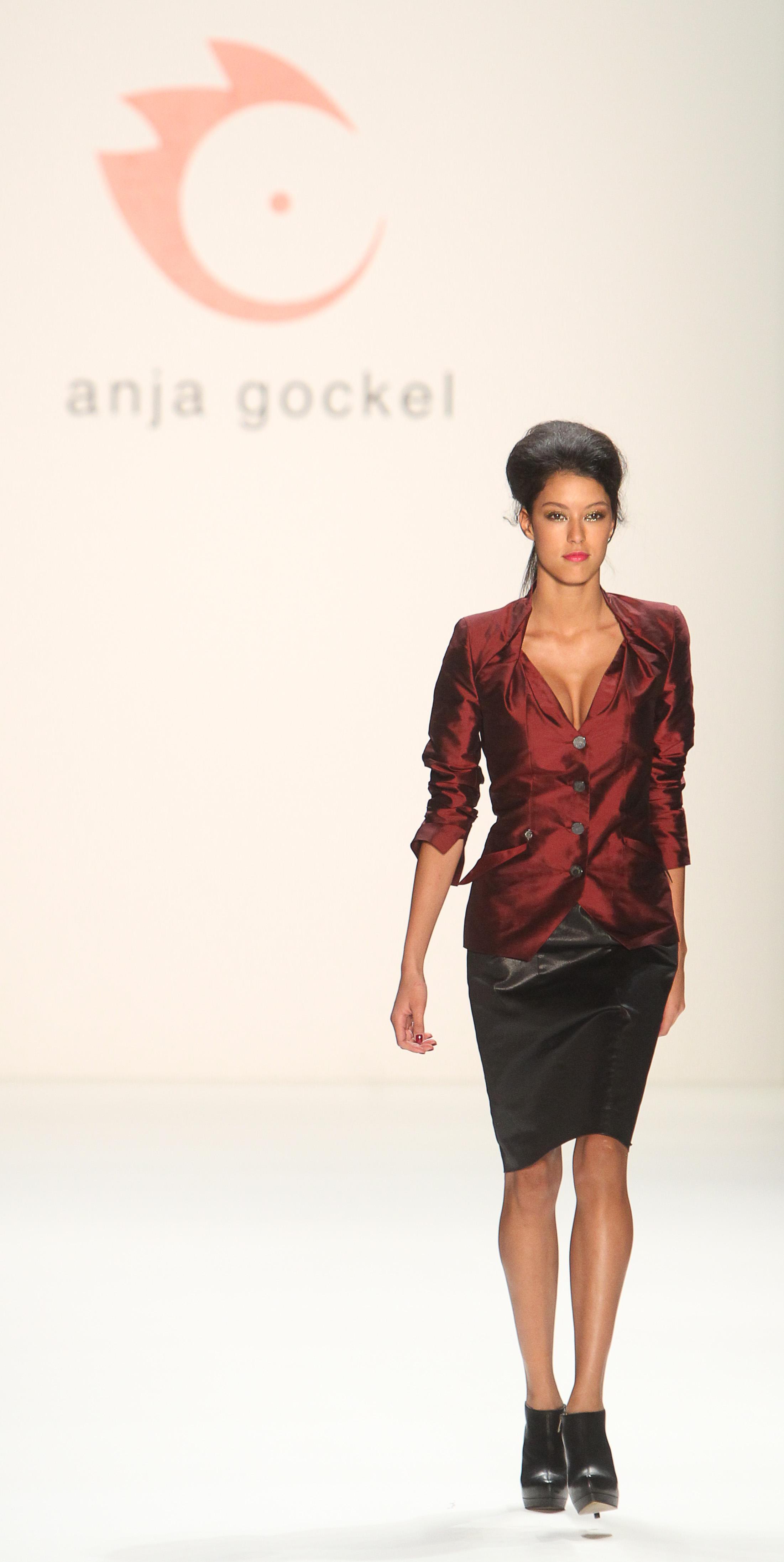 04054_fashion_week_2496_122_451lo.jpg