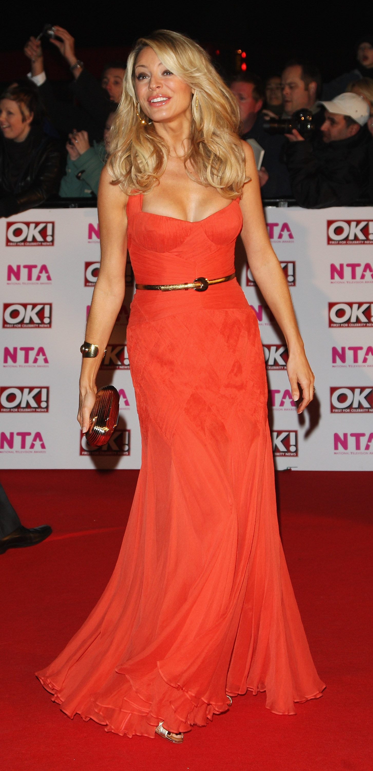 18408_Celebutopia-Tess_Daly_arrives_at_the_2008_National_Television_Awards-02_122_956lo.jpg
