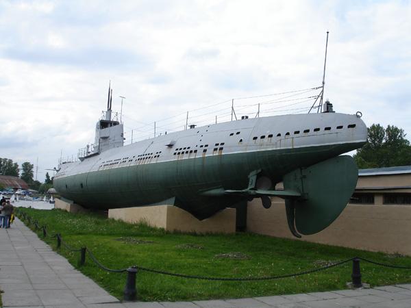 37183_peterburg_submarine_122_691lo.jpg