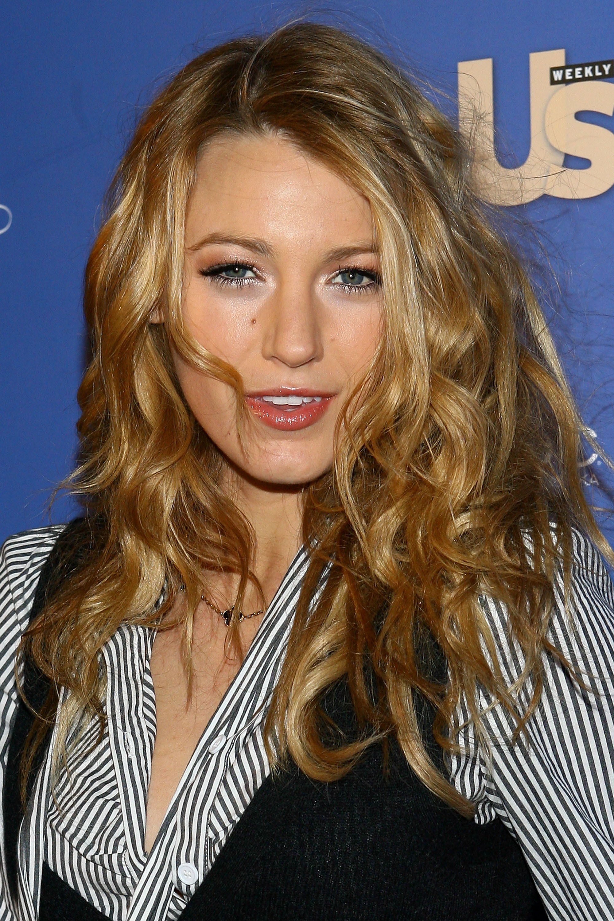 54978_Celebutopia-Blake_Lively-US_Weekly31s_Hot_Hollywood_Issue_celebration-03_122_929lo.jpg