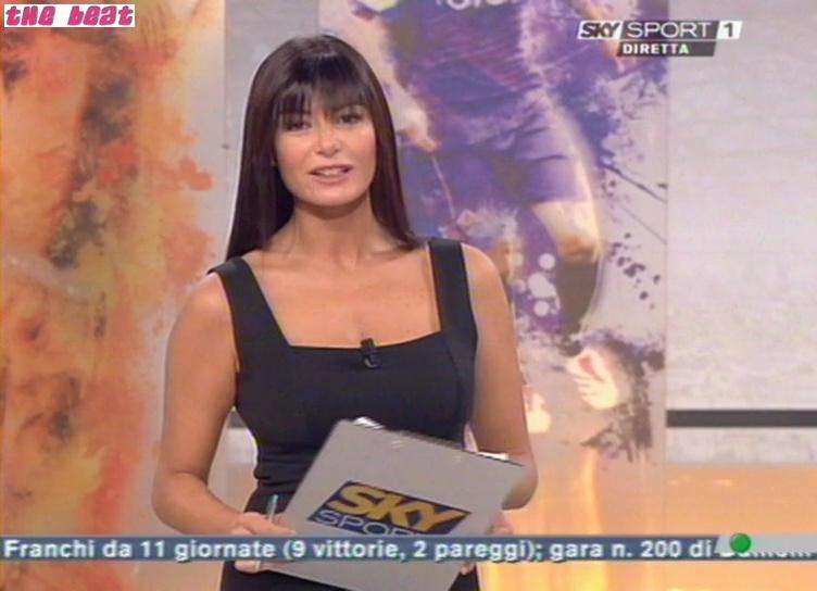 29924_Sky_Calcio_Show--2008-09-28--Ilaria_D9Amico_1146_122_851lo.jpg