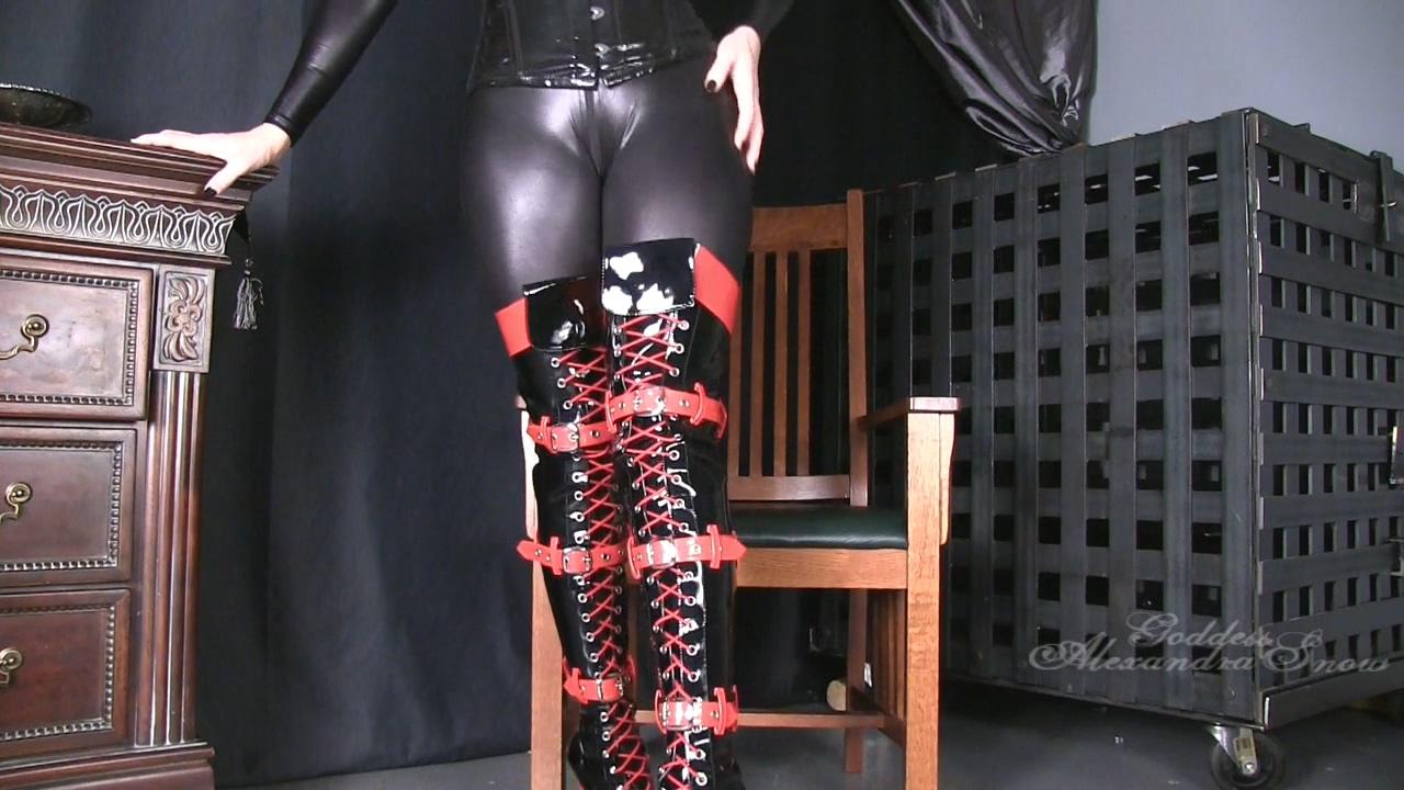513937947_Goddess_Alexandra_Snow___Red_and_black_boots.mp4_20170904_112509.850_123_88lo.jpg