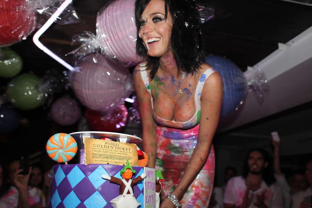 74204_Katy_Perry_25th_Birthday_Party-15_122_363lo.jpg