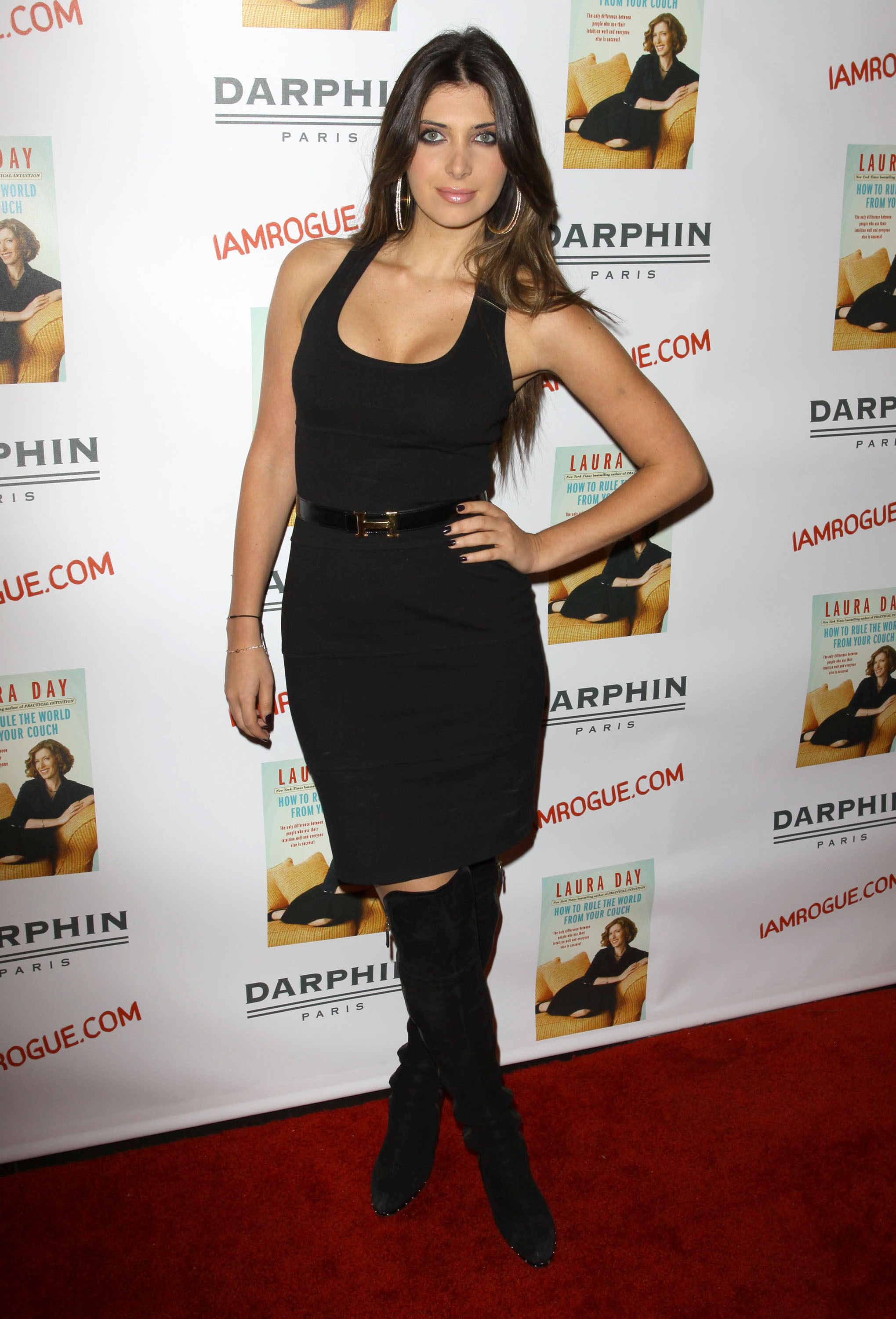 02402_celebrity-paradise.com-The_Elder-Brittny_Gastineau_2009-10-19_-_Book_Party_For_Laura_Day_873_122_434lo.jpg