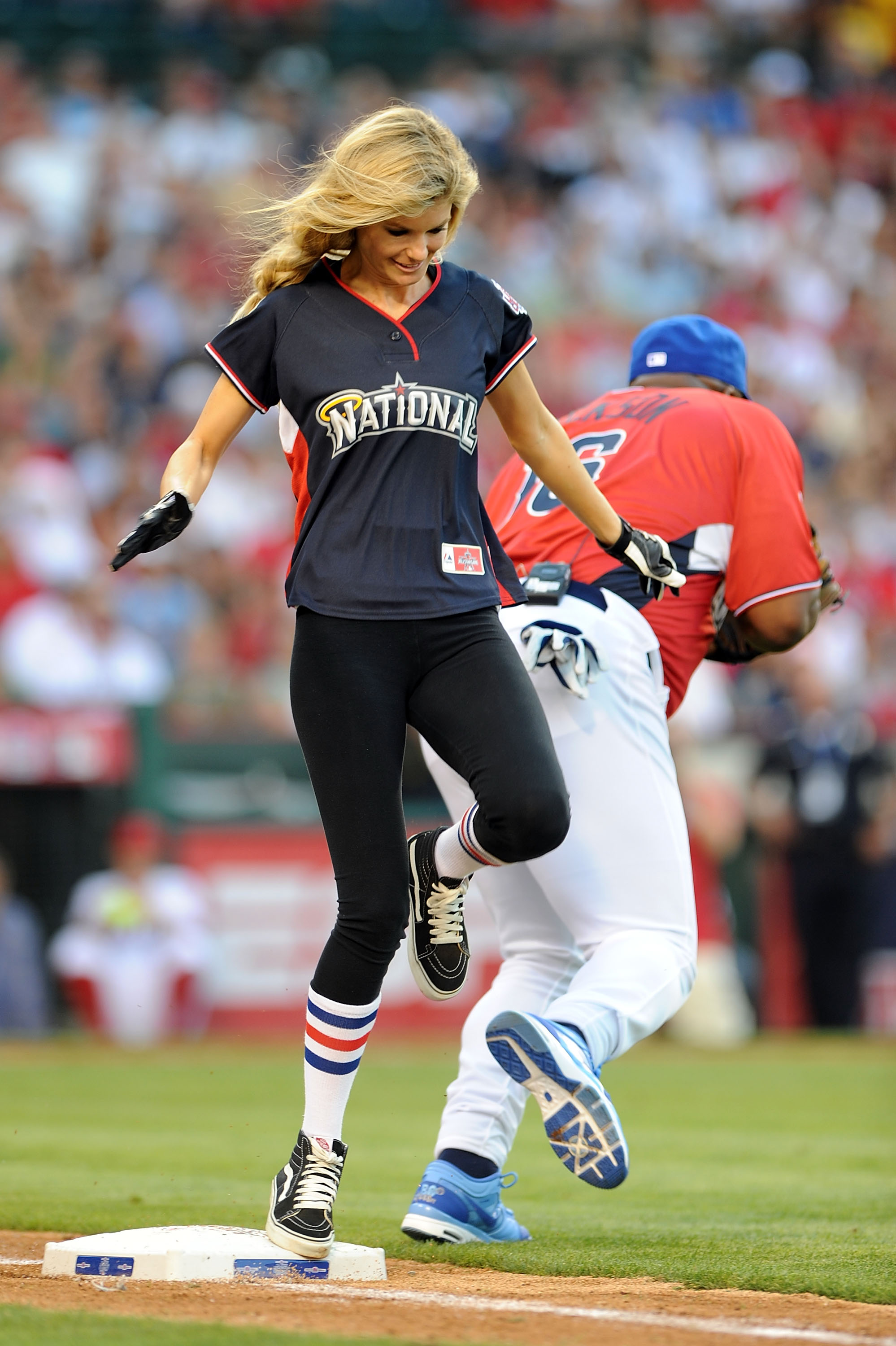 38280_Marisa_Miller_MLB_All_Star_Celebrity_Softball_Game_14_122_452lo.jpg