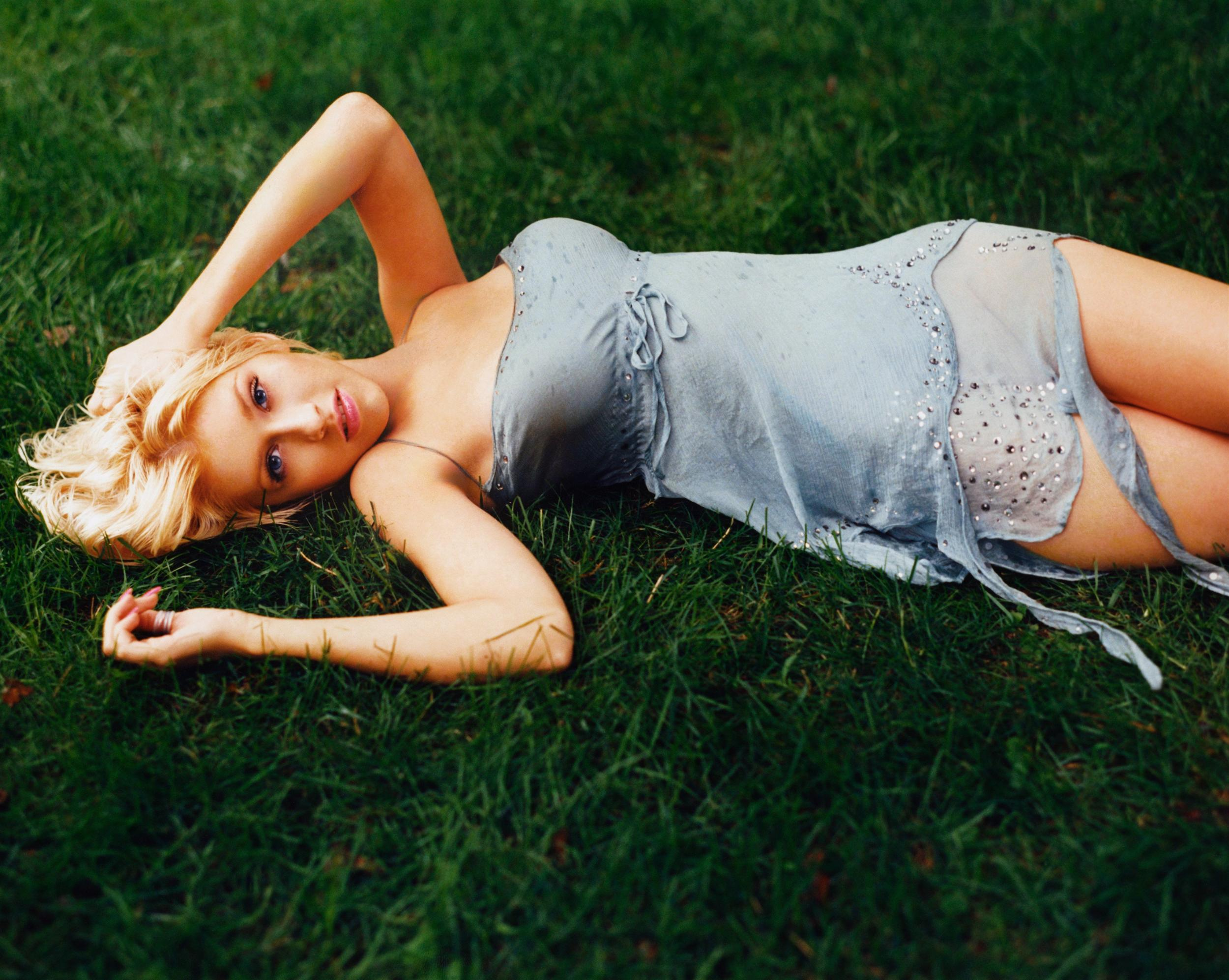 41031_Christina_Aguilera-018296_Mark_Seliger_Photoshoot_122_1145lo.jpg