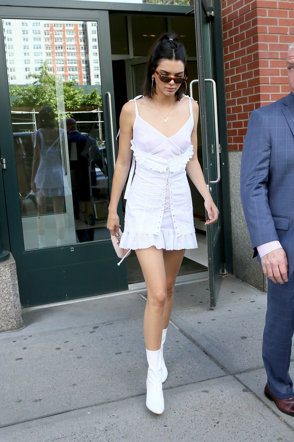 038085474_Kendall_Jenner_See_Through_1_thefappeningblog.com__123_521lo.jpg
