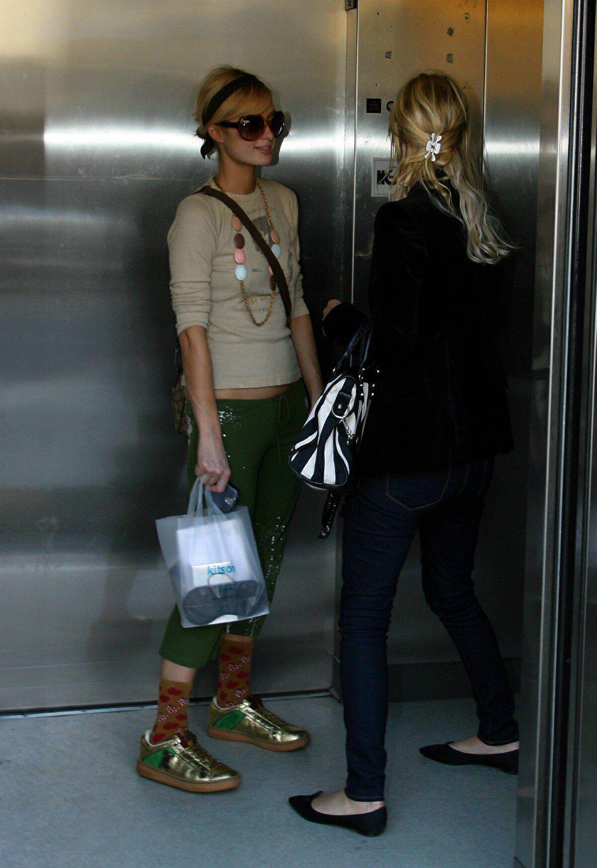 07474_Paris_and_Nicky_Hilton_shopping_at_Kitson_in_Los_Angeles_09.jpg
