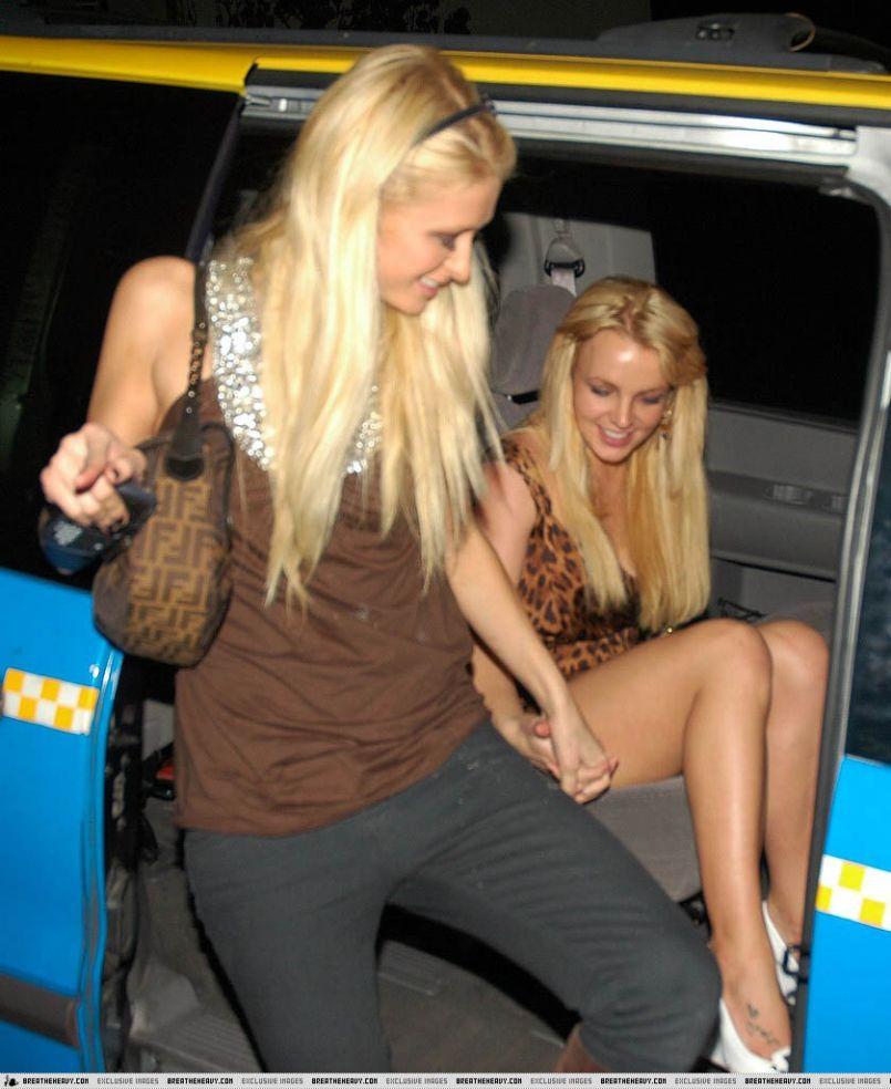 66734_BritneyLegs1_122_327lo.jpg