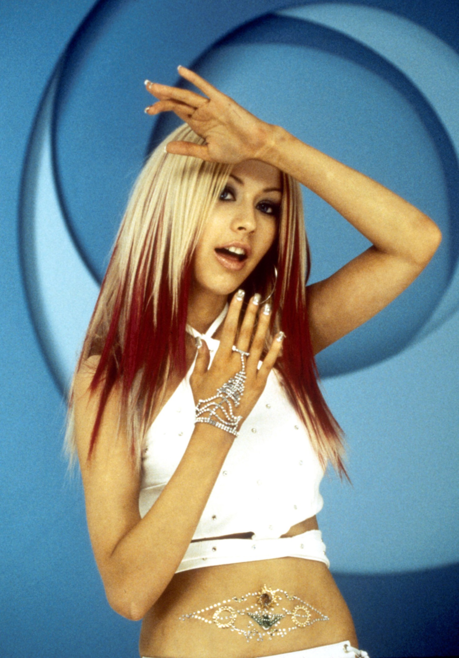 49720_Christina_Aguilera-019599_91Come_on_over_baby71_video_photoshoot8_2000_122_784lo.jpg