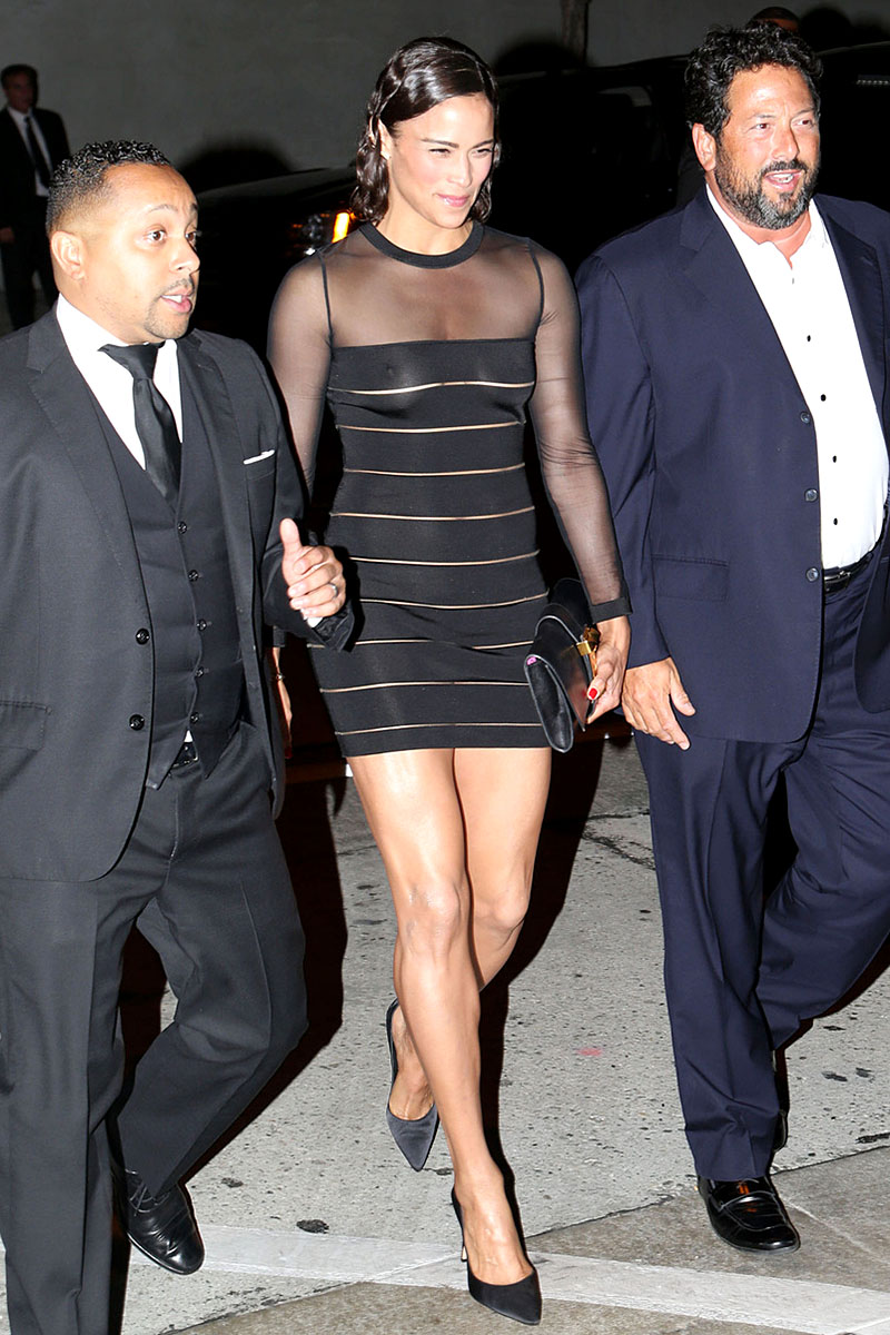 079281391_PaulaPattonSeeThroughHBO2014EmmyAfterParty7_122_223lo.jpg