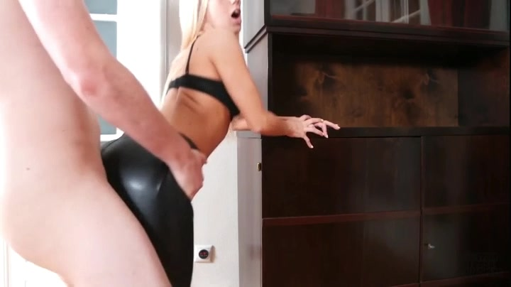787056126_Miss_Sixty_Leather_Pants_Fuck.mp4_20170815_135012.406_123_406lo.jpg