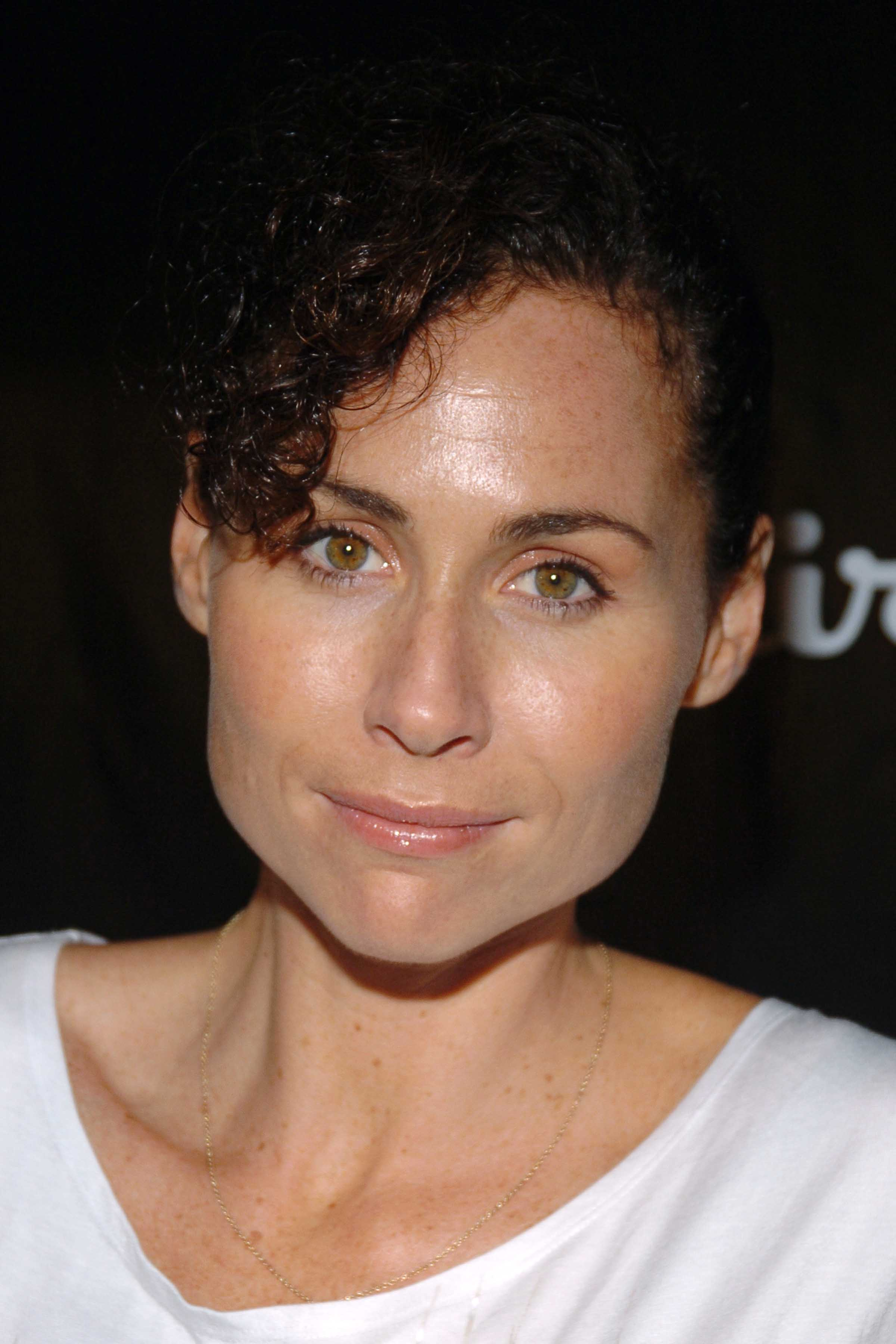 94052_Minnie_Driver_Esquire_Downtown_01_123_595lo.JPG