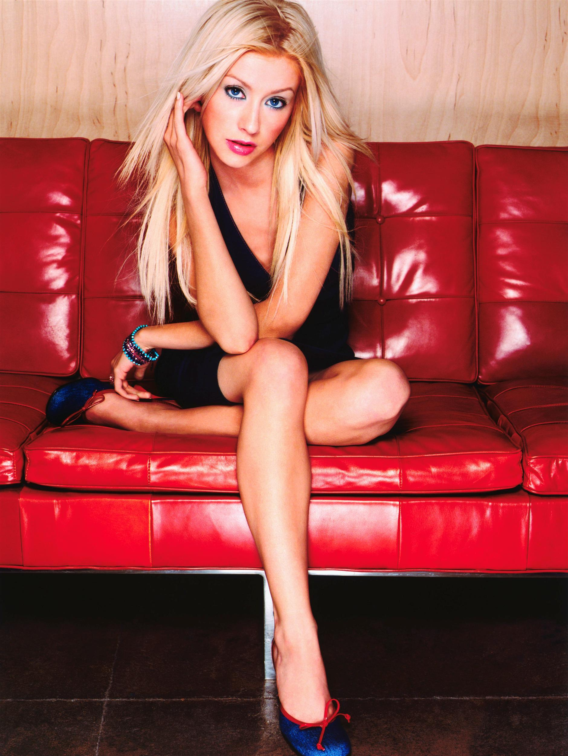 55469_Christina_Aguilera-019587_Kenneth_Willardt_photoshoot4_2000_122_642lo.jpg