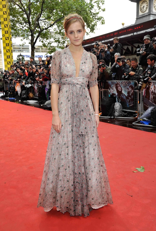 50492_Emma_Watson_HPaTHBP_premiere_in_London04128_122_771lo.jpg