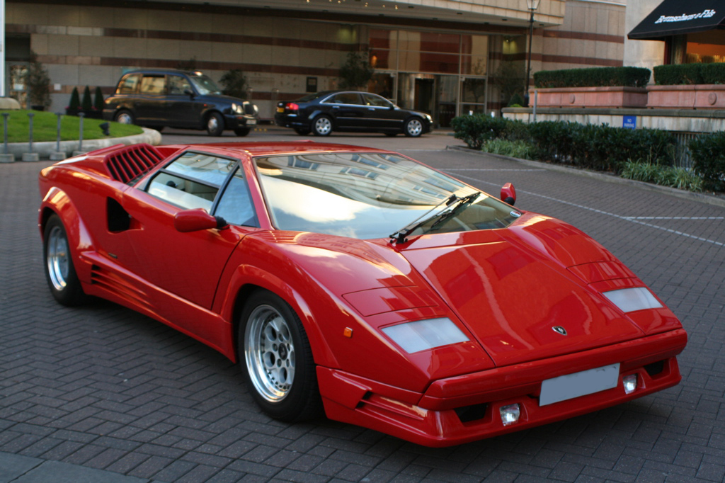 05841_Lamborghini_Countach_683_122_101lo.jpg