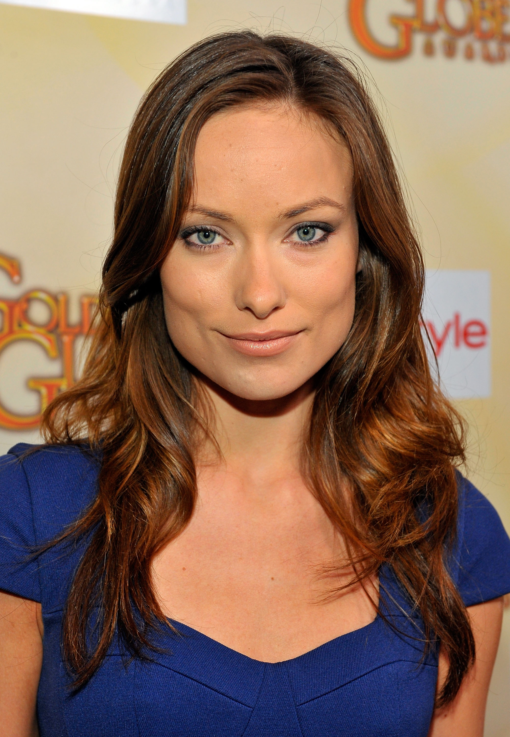 02273_Celebutopia-Olivia_Wilde_arrives_at_the_Golden_Globe_Salute_To_Young_Hollywood-02_122_1156lo.jpg