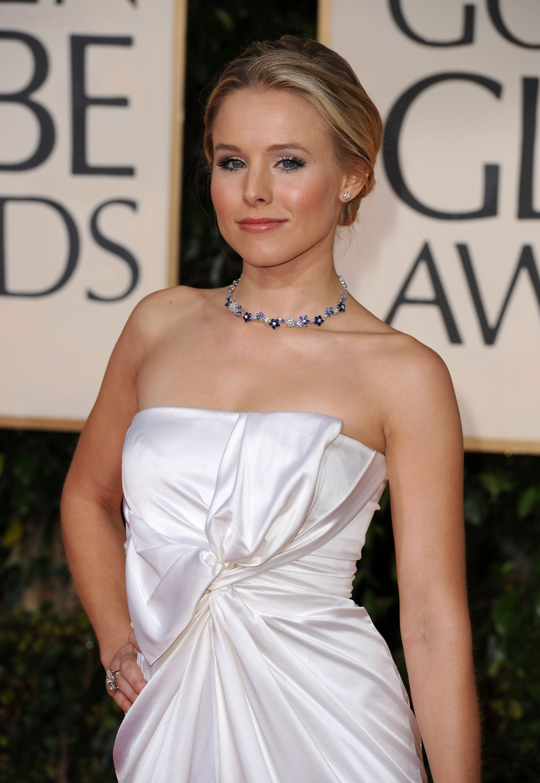 77840_Kristen_Bell_arrives_at_the_67th_Annual_Golden_Globe_Awards_122_400lo.jpg