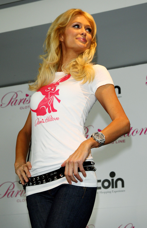 11367_Celebutopia-Paris_Hilton-Launch_of_Paris_Hilton_clothing_line-35_122_974lo.jpg