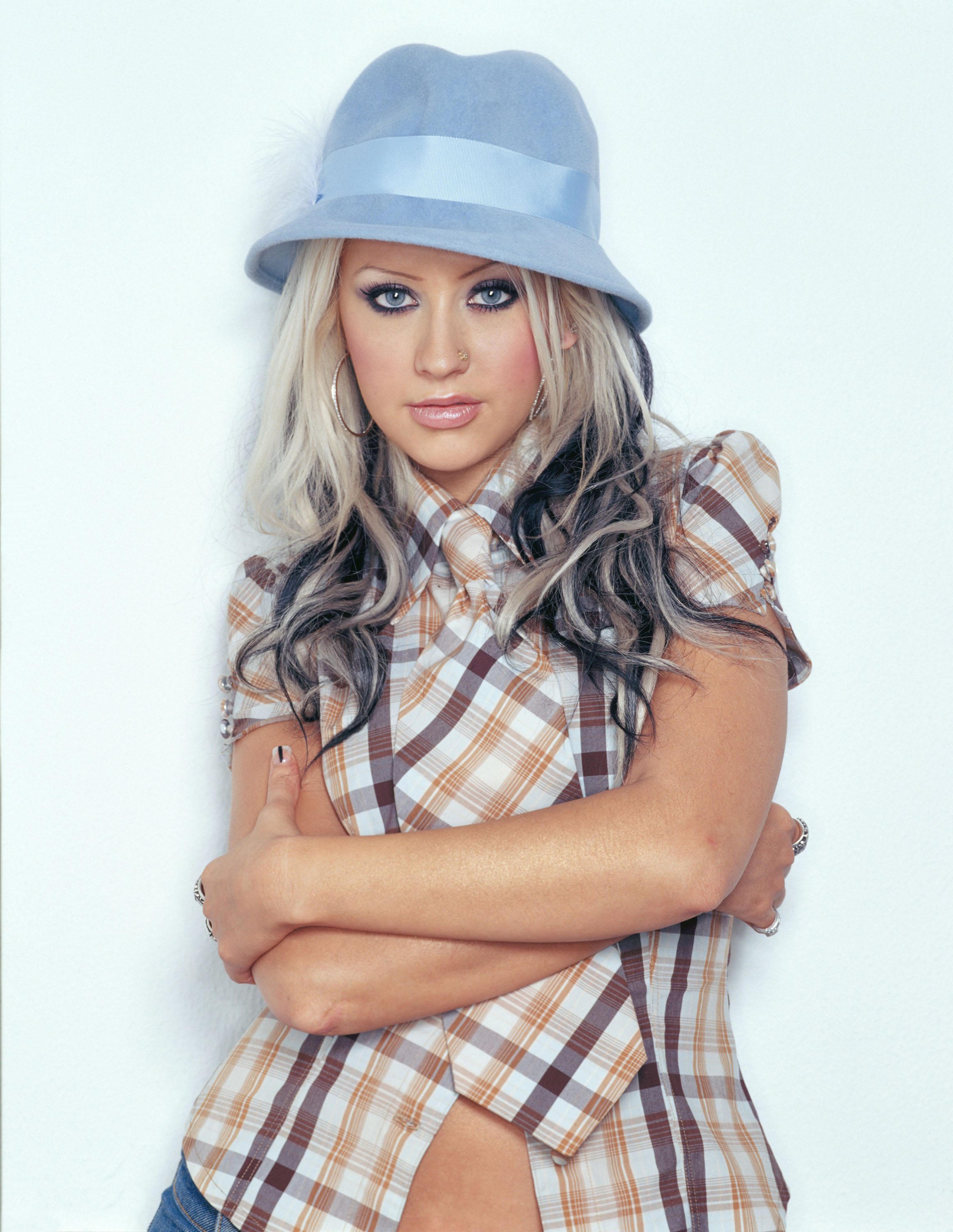 68808_Christina_Aguilera-015321_US_Weekly_-_2003_122_1047lo.jpg